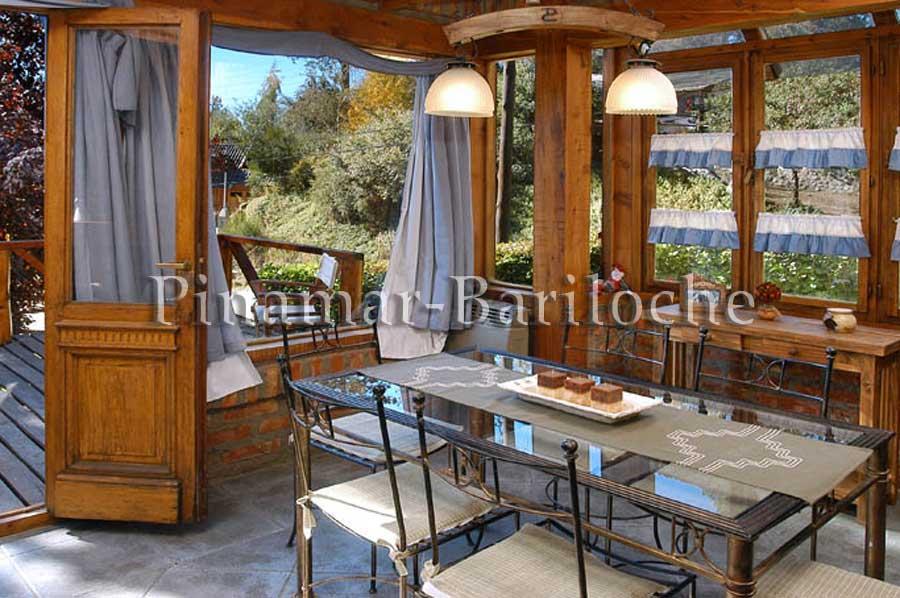 cabaña en alquiler en bariloche con vista parcial del lago 792