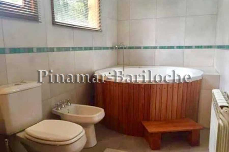 Casa En Alquiler En Bariloche Con 3 Dorm Villa Campanario – 1132