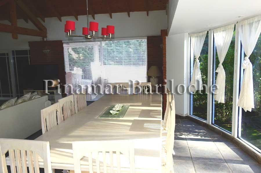 Casa En Alquiler En Cariló Con Pileta Climatizada – 544