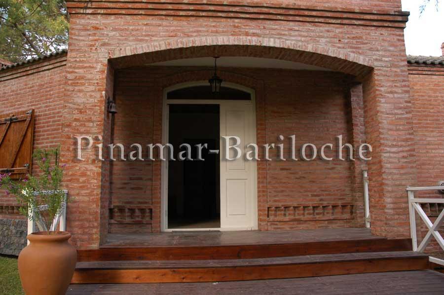 Alquileres Cariló – Casa En Alquiler A 2 Cdras De La Playa – 796