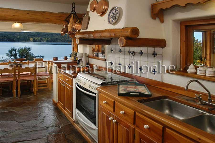 Bariloche Alquileres – Casa Con Costa Y Muelle Privado – 1005