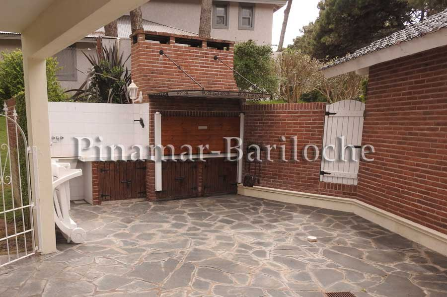 Pinamar Casa En Alquiler Zona Norte A 3 Cuadras Del Mar – 1081