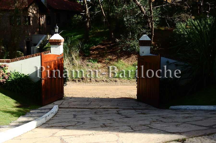 Casa En Alquiler En Pinamar Zona Norte A 1 Cuadra Del Mar – 1097